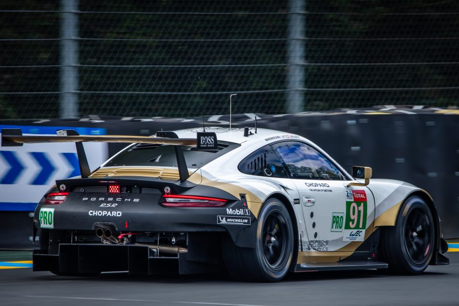 Porsche 911 RSR at arnage corner during the 24 Hours of Le Mans 2019